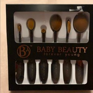 Other - Oval makeup brushes, 6 piece set